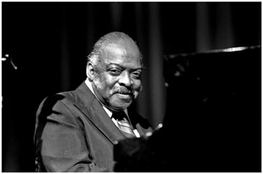 Count Basie, in Hamburg, 1974, photo by Heinrich Klaffs