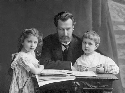 Boris Klavdievich Kabalevsky with his son Dmitry and his daughter Elena, St. Petersburg, 1909.