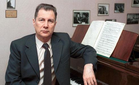 Andrei Eshpai at the piano